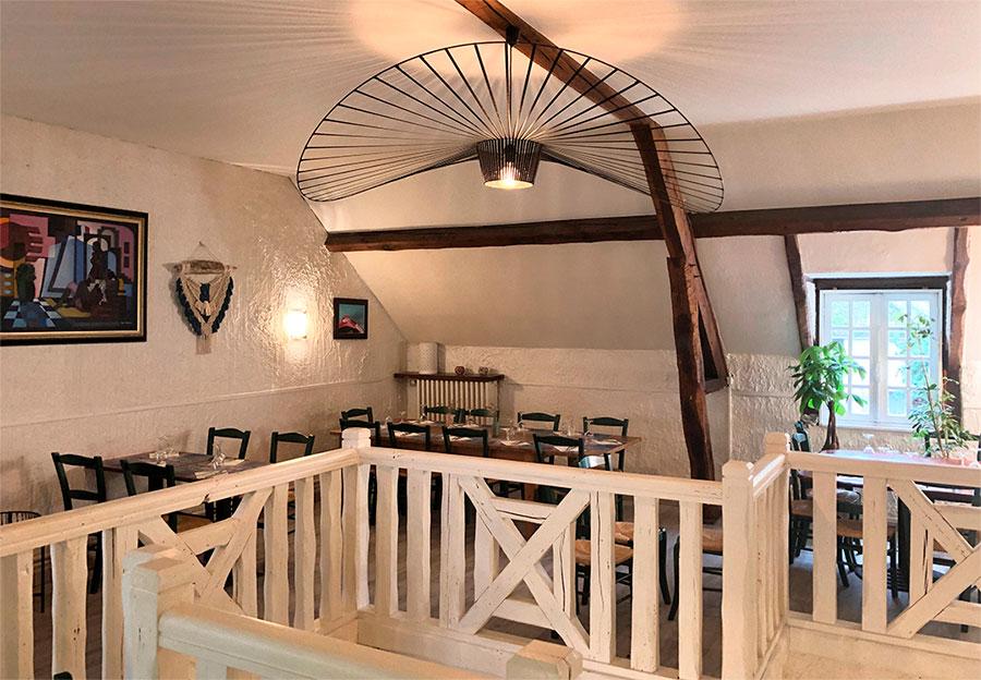 Salle de restaurant à l'étage
